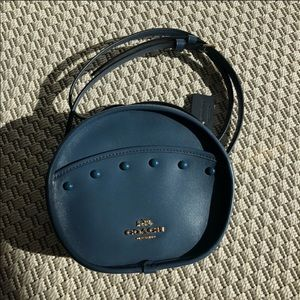 BRAND NEW Coach Canteen Crossbody in Blue w/ studs